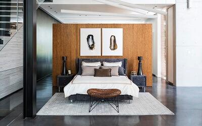 חדרי שינה - תמונת שער